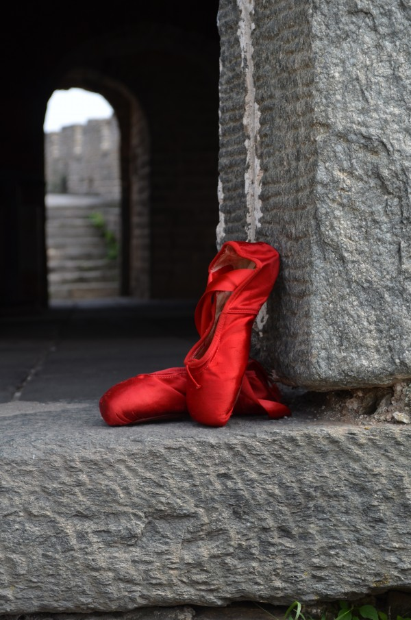 red shoes at Great Wall 4